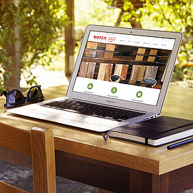 Responsive Website botex.de auf Notebook