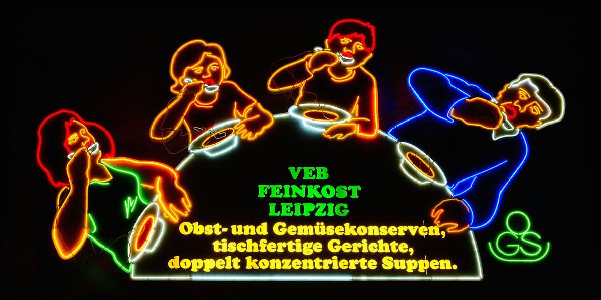 Leuchtreklame des VEB Feinkost Leipzig